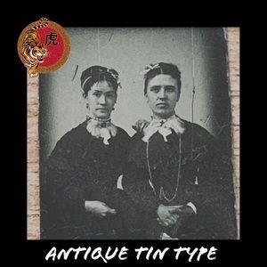 Creepy Victorian Fashionistas Antique Tin Type